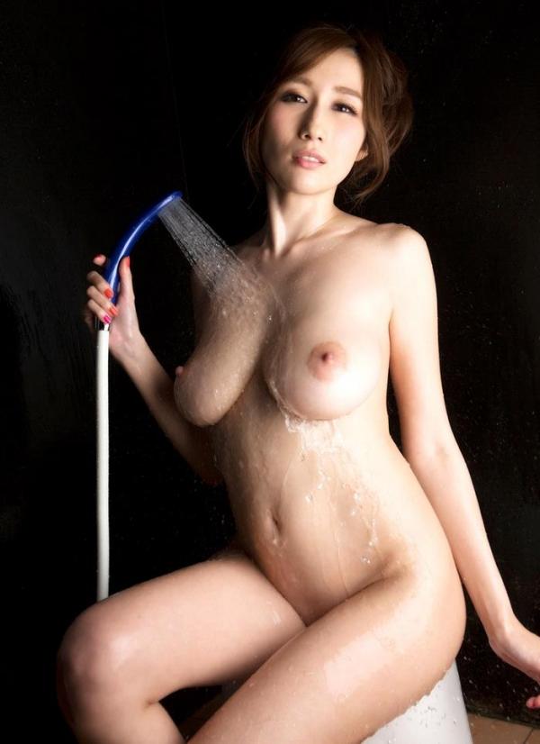JULIA(ジュリア)さんのシャワータイム 入浴中のエロ画像61枚の2
