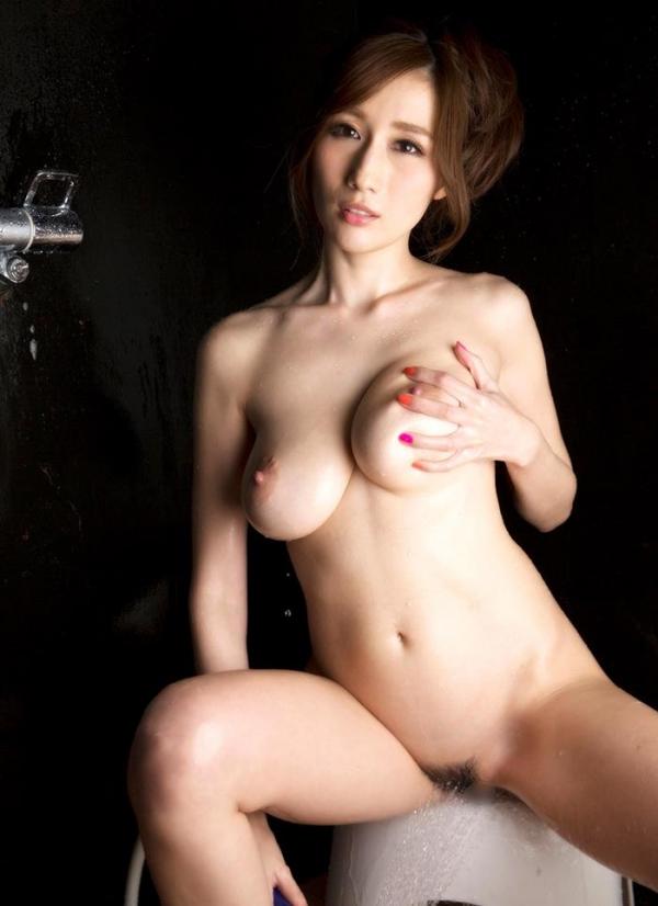JULIA(ジュリア)さんのシャワータイム 入浴中のエロ画像61枚のb010枚目