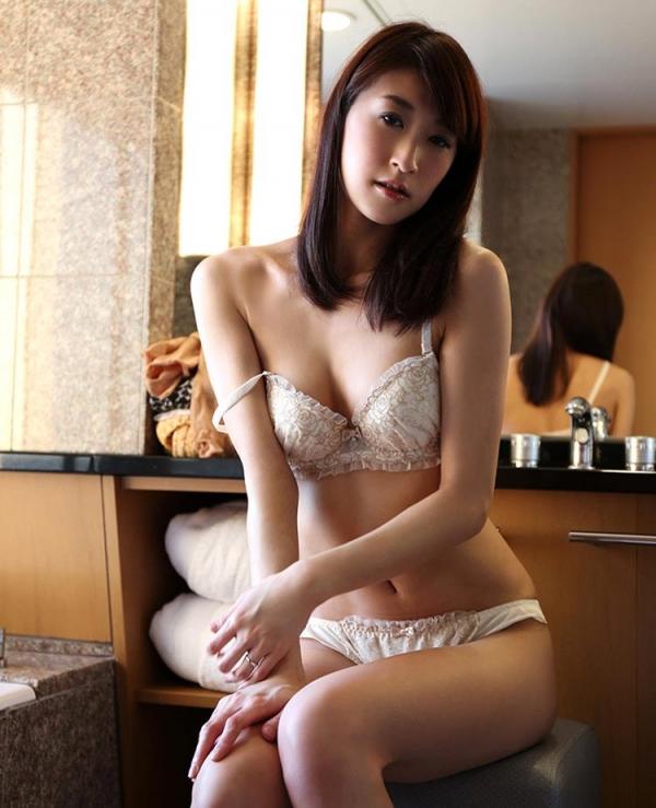 神波多一花 スレンダー美女セックス画像100枚の060枚目