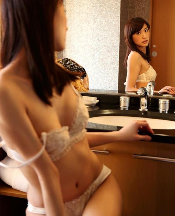 神波多一花 スレンダー美女セックス画像100枚の061枚目