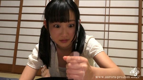 神坂ひなの 黒髪で純朴なロリ美少女エロ画像93枚のc016.jpg