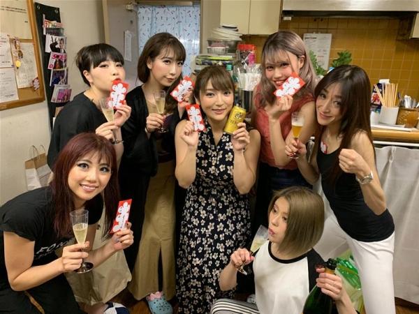 神咲詩織さん、AV引退を前にストリップデビューで連日大盛況エロ画像51枚のa13枚目