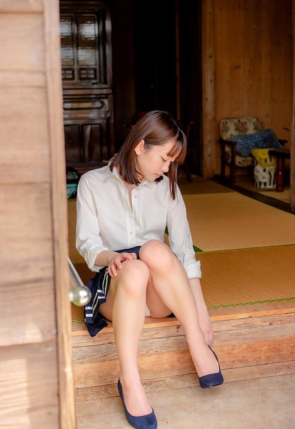 あどけない雰囲気のスレンダー美少女 架乃ゆらエロ画像54枚のb01枚目