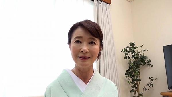 61歳で今が女盛りという還暦熟女のAV女優さんエロ画像44枚のa02枚目
