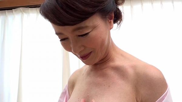61歳で今が女盛りという還暦熟女のAV女優さんエロ画像44枚のa03枚目