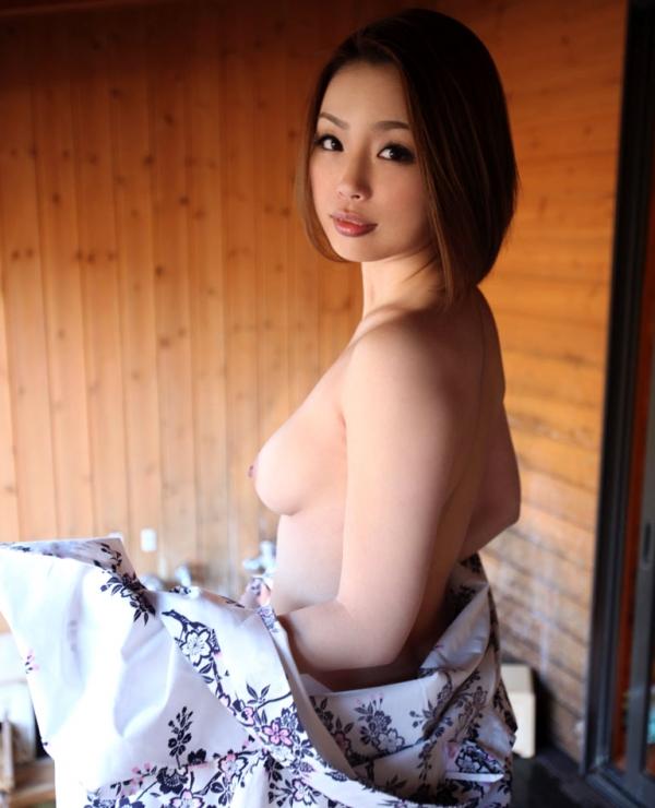 懐かしのエロス かすみりさ ショートヘアの美巨乳美女セックス画像76枚のa009枚目