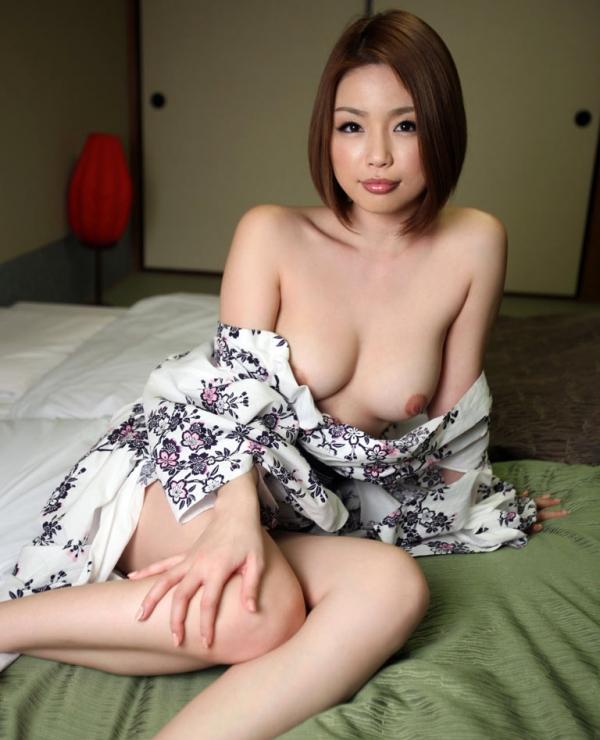 懐かしのエロス かすみりさ ショートヘアの美巨乳美女セックス画像76枚のa029枚目