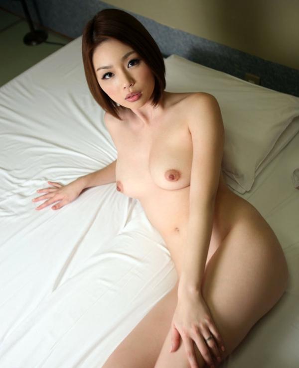 懐かしのエロス かすみりさ ショートヘアの美巨乳美女セックス画像76枚のa033枚目