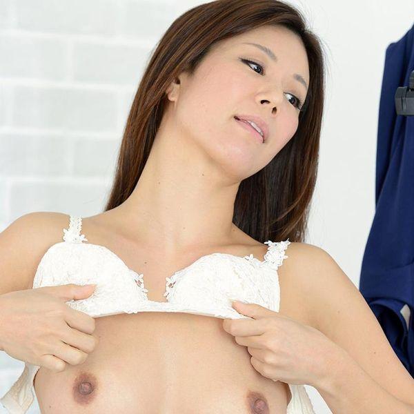 片瀬仁美 四十路のパイパン熟女ヌード画像50枚の1