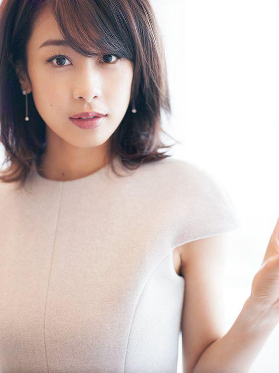 加藤綾子 カトパンの美脚など高画質な画像70枚の14枚目