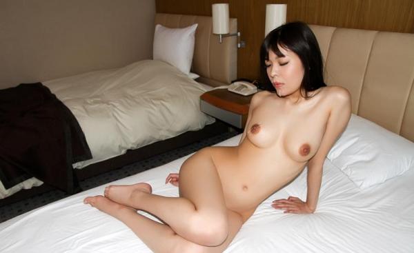 川口ともか スレンダー巨乳美女セックス画像90枚の077枚目
