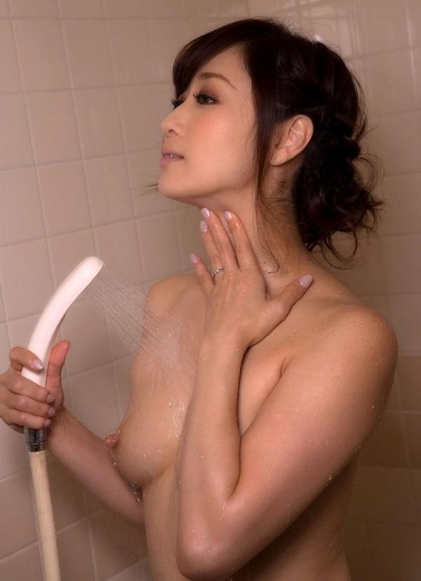 美熟女入浴中 妖艶全裸 川上ゆうヌード画像70枚の002枚目