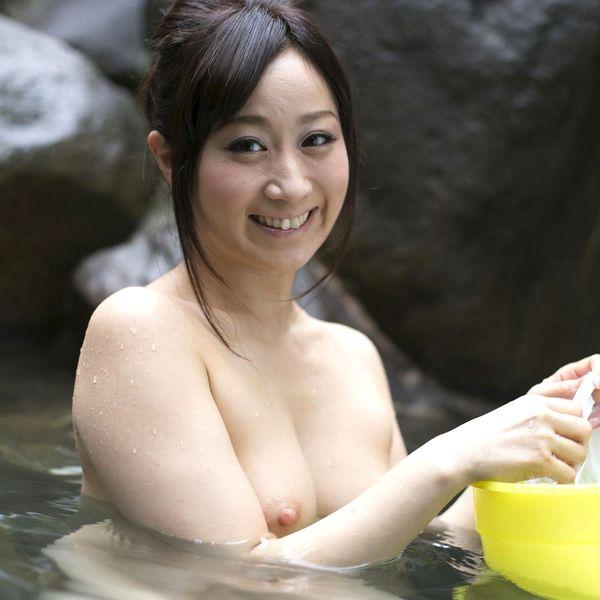 川上ゆう 温泉湯けむり 熟女ヌード画像128枚の1