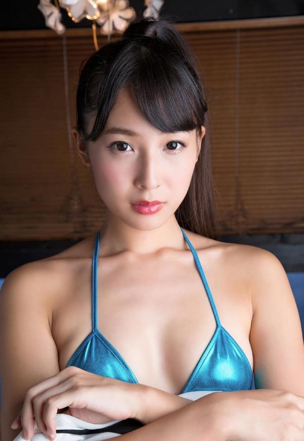 川崎あや 極細くびれと巨尻のRQ水着画像100枚の066枚目