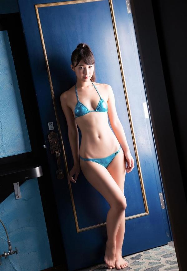 川崎あや 極細くびれと巨尻のRQ水着画像100枚の070枚目