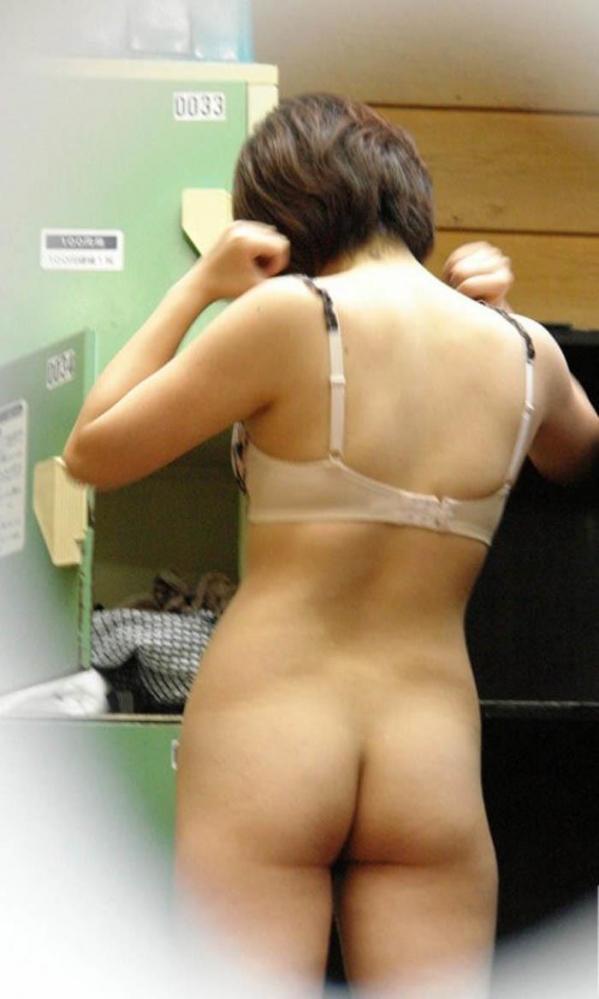 脱衣画像 服や下着を脱ぐ美女017枚目