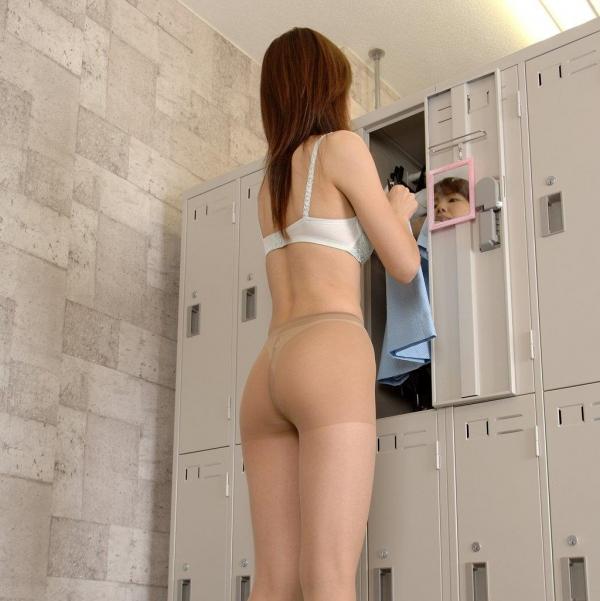 脱衣画像 服や下着を脱ぐ美女035枚目