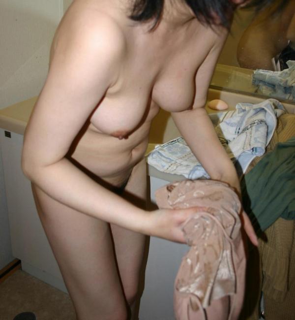 脱衣画像 服や下着を脱ぐ美女064枚目