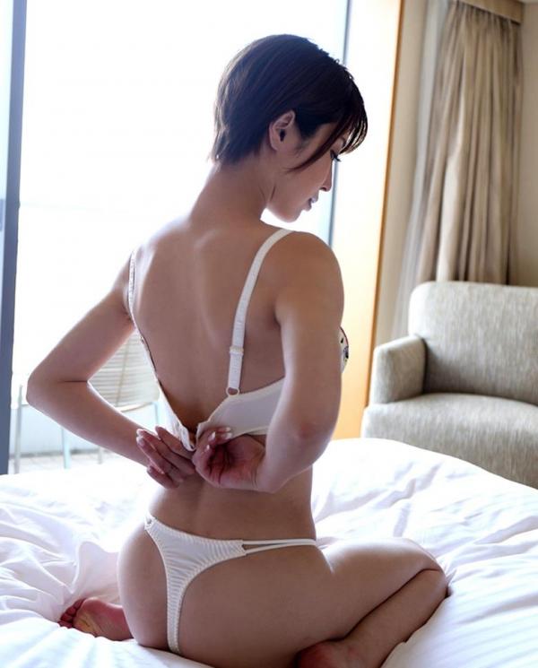 君島みお 美爆乳xくびれx美脚の妖艶美女エロ画像64枚のb06枚目