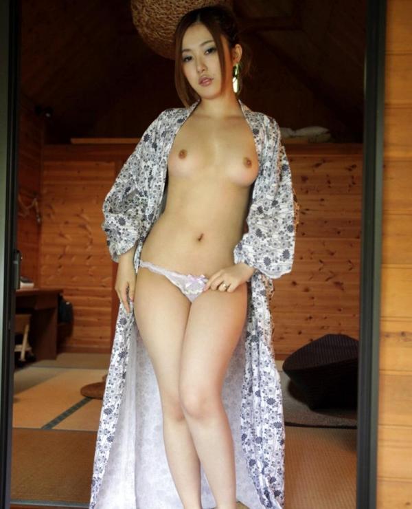 人妻寝取りエロ画像 美しい若妻と温泉旅行でヤリまくる60枚の017枚目