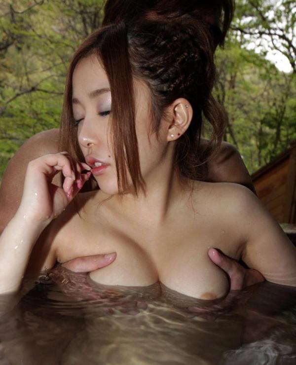 人妻寝取りエロ画像 美しい若妻と温泉旅行でヤリまくる60枚の026枚目