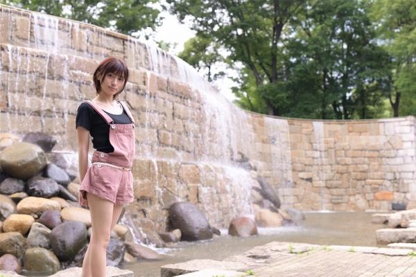 吉良りん18才AVデビュー ダイアモンド級の原石美少女エロ画像28枚のa04枚目