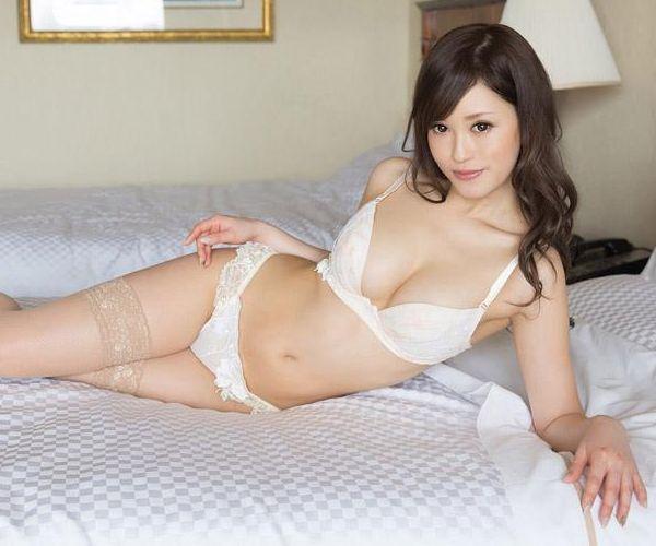 桐嶋りの 小柄で美巨乳のエロかわ美女画像 1