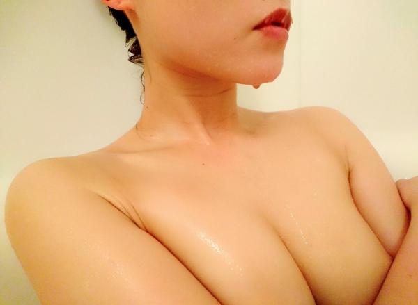 桐嶋りの スレンダー美巨乳の美女エロ画像 b003