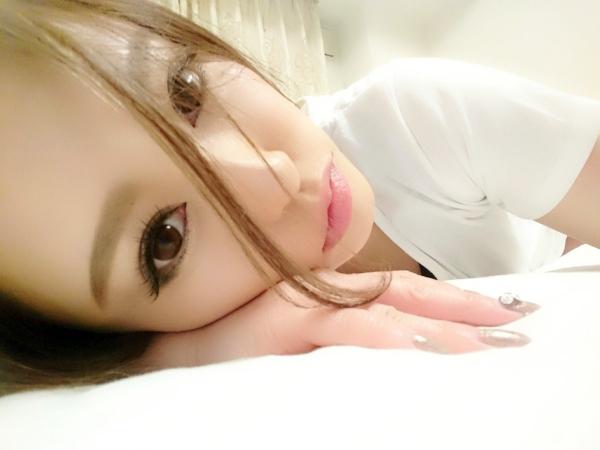桐嶋りの スレンダー美巨乳の美女エロ画像 b047