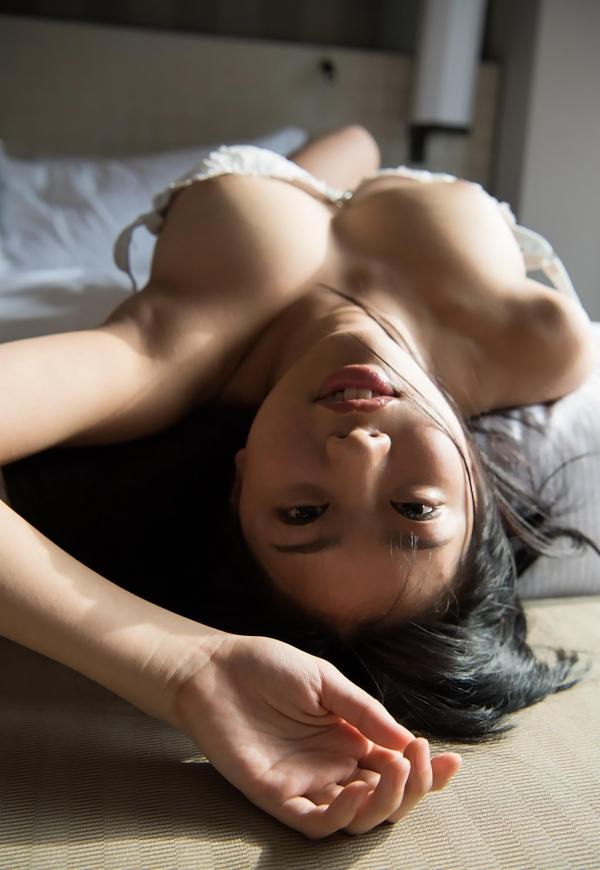 桐谷まつり 巨乳の秋田美人ヌード画像143枚のa011番
