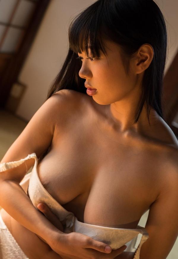 桐谷まつり 巨乳の秋田美人ヌード画像143枚のb033番