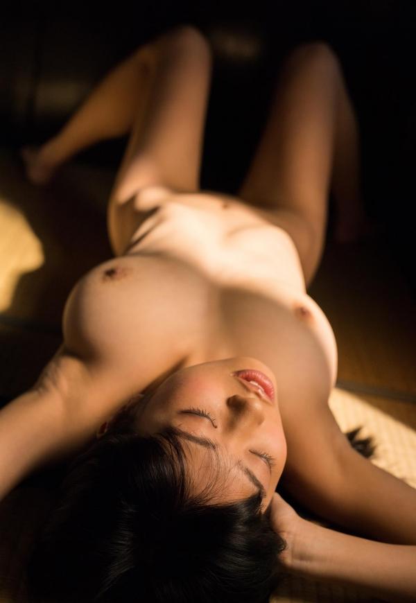 桐谷まつり 巨乳の秋田美人ヌード画像143枚のb044番