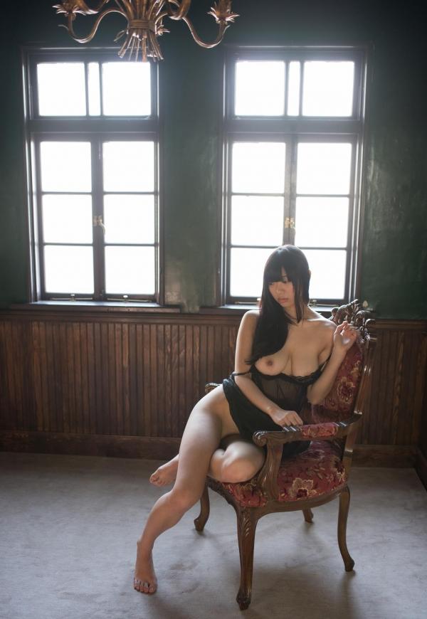 桐谷まつり 巨乳の秋田美人ヌード画像143枚のb054番