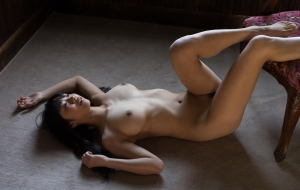 桐谷まつり 巨乳の秋田美人ヌード画像143枚のb066番