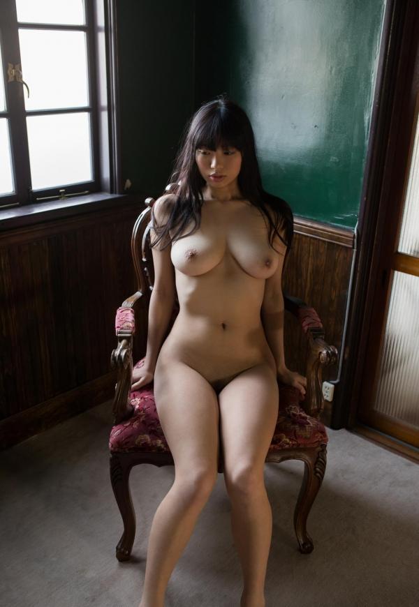 桐谷まつり 巨乳の秋田美人ヌード画像143枚のb069番