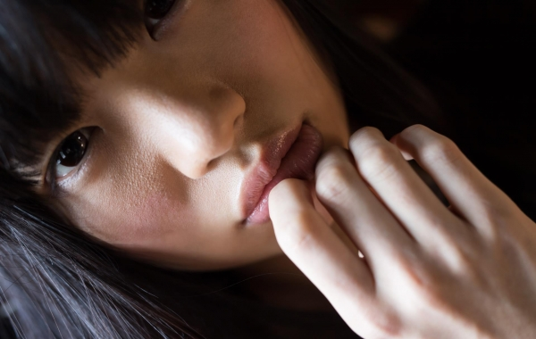 桐谷まつり 巨乳の秋田美人ヌード画像143枚のb073番