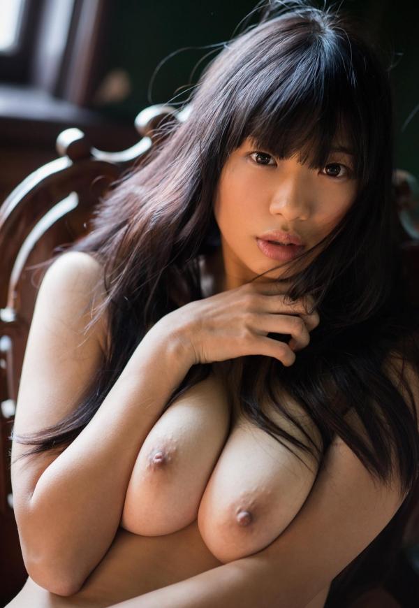 桐谷まつり 巨乳の秋田美人ヌード画像143枚のb075番