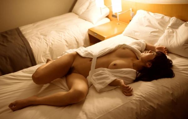 桐谷まつり 巨乳の秋田美人ヌード画像143枚のb086番
