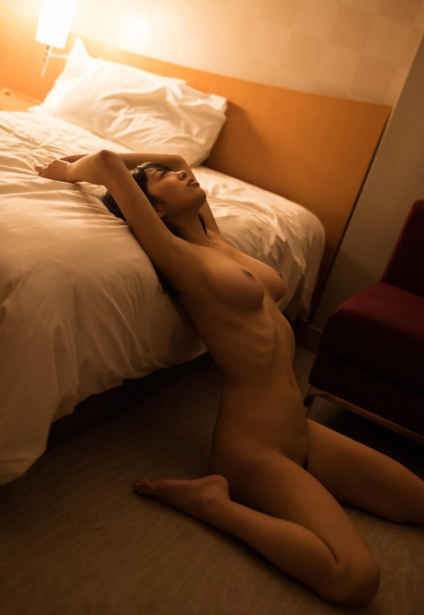 桐谷まつり 巨乳の秋田美人ヌード画像143枚のb107番