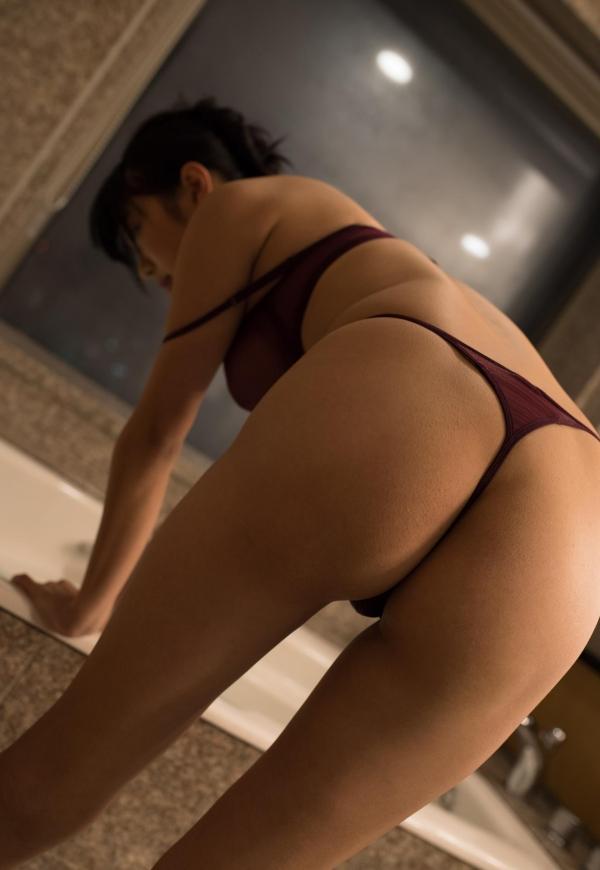桐谷まつり 巨乳の秋田美人ヌード画像143枚のb111番