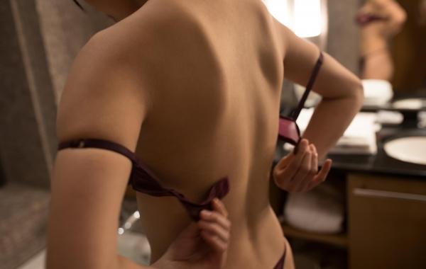 桐谷まつり 巨乳の秋田美人ヌード画像143枚のb112番