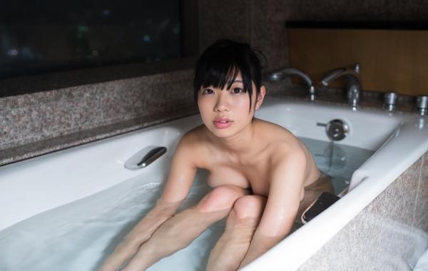 桐谷まつり 巨乳の秋田美人ヌード画像143枚のb113番