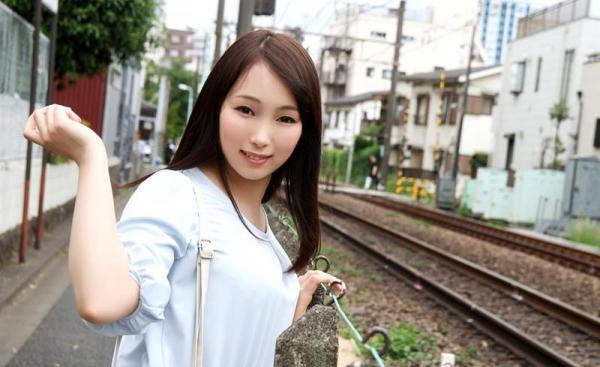 桐谷なお 淫乱な美人女教師のハメ撮り画像90枚の003枚目
