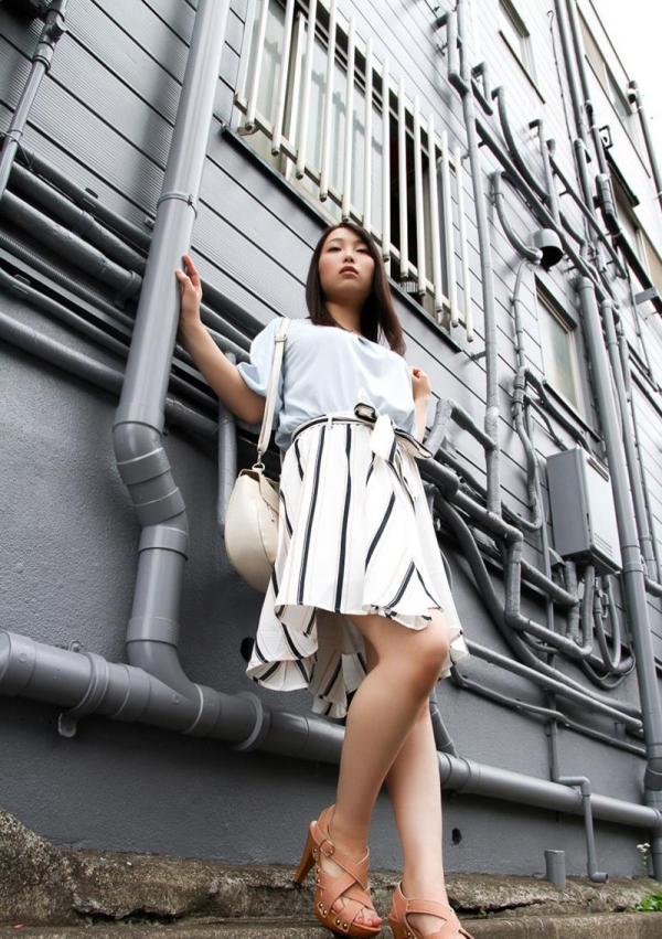 桐谷なお 淫乱な美人女教師のハメ撮り画像90枚の004枚目