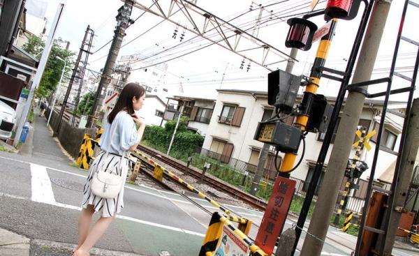 桐谷なお 淫乱な美人女教師のハメ撮り画像90枚の006枚目