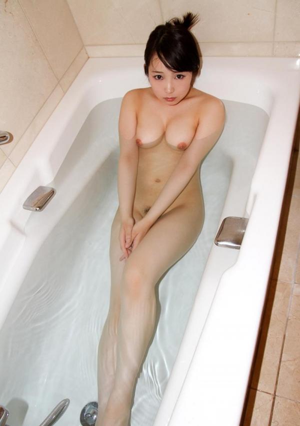 桐谷なお 淫乱な美人女教師のハメ撮り画像90枚の063枚目