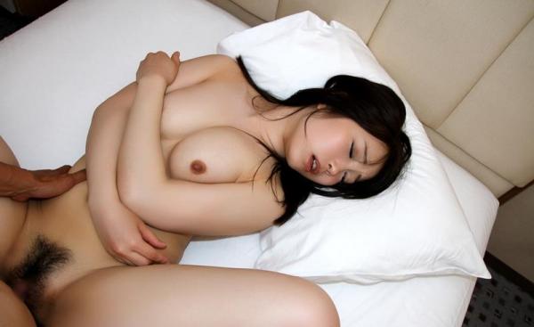 桐谷なお 淫乱な美人女教師のハメ撮り画像90枚の083枚目