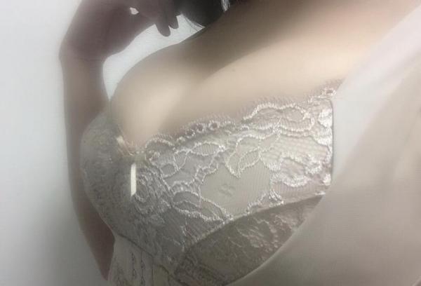 桐谷なお 巨乳グラマラスボディの妖艶美女エロ画像67枚のa011枚目