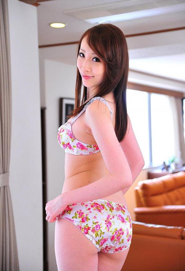 希咲あや 淫乱なスレンダー巨乳美女エロ画像70枚の032枚目