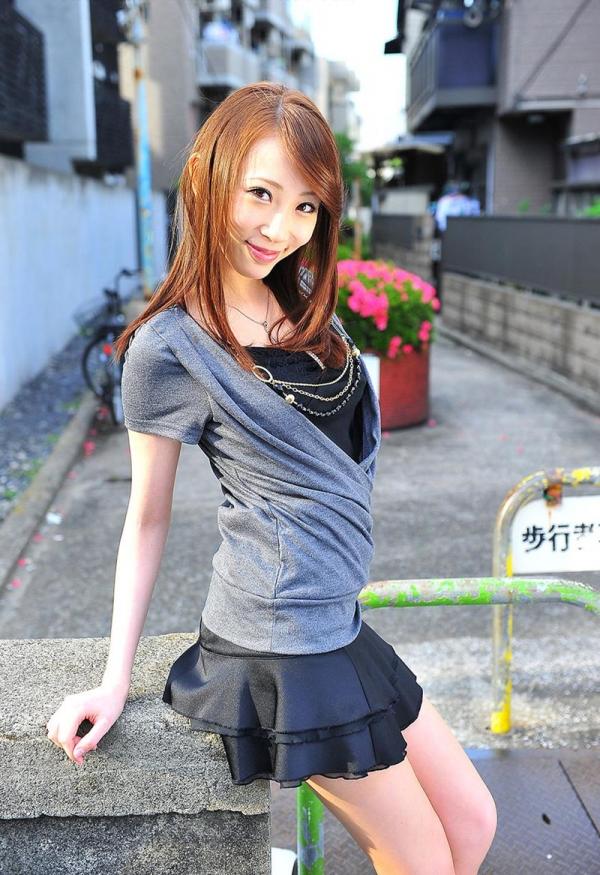希咲あや 淫乱なスレンダー巨乳美女エロ画像70枚の067枚目